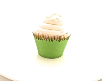 12 Green Grass Cupcake Wrappers