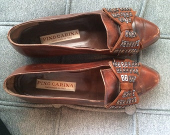Ladies Vintage brown 100% leather flats with bow detail size 7.5