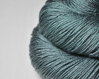 Rain in a graveyard - Merino/Silk Fingering Yarn Superwash