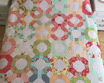 Cheerio Queen Size Quilt in Bonnie and Camille Fabrics