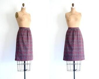 20% SALE 1970s wool tweed pencil skirt - muted plaid / Wine & Gray - vintage 70s / Geek Chic - preppy