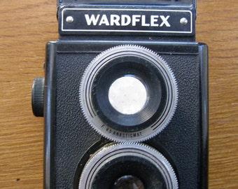 Montgomery Ward Black Plastic Wardflex TLR Camera made by Argus - Same as Argoflex E TLR Camera