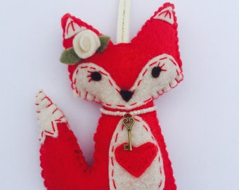 Miss Fox - Felt fox Valentine ornament