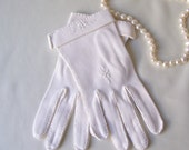 Vintage White Cotton Gloves Mid Century Modern Size 6 1960s