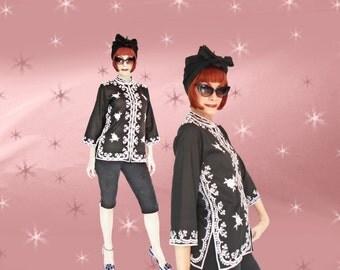 Vintage Embroidered Asian Boho Blouse Jacket - Late 70s Black & White Tunic Top - Mandarin Collar