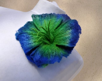 Felted brooch , flower, brooch, felt, nuno felt, green, blue