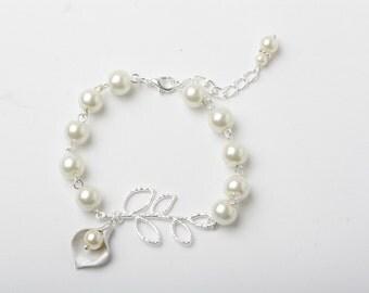 Ivory pearl Bracelet, Bridesmaid Bracelet Bridal Bracelet,calla bracelet, ivory wedding Bracelet calla jewelry maid of honor gift