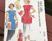 1950s McCalls apron Pattern, vintage McCall 1713 apron, cobbler apron pattern and directions with transfers, full apron with pockets
