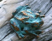 Spring Sale 10% Tree Frog Brooch in blue green copper patina