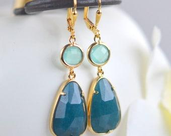Teal Drop Earrins. Deep Blue Green Jade and Aqua Dangle Earrings in Gold. Drop Earrings. Stone Earrings. Jewelry. Gift. Wedding. Dangle.