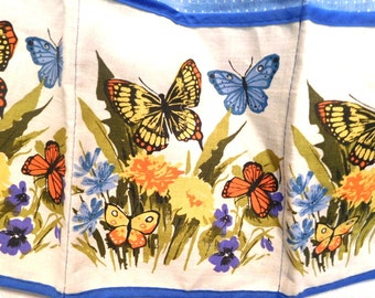 Vintage 60s Apron Floral Butterflies Kitchen  4 pocket Bright & Beautiful! Chef Crafter