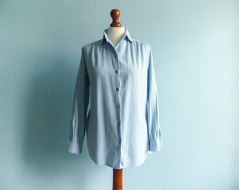 Vintage womens shirt blouse / pastel blue light / button up / long sleeve / preppy / 90s / cotton wool / medium