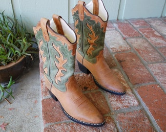 Vintage Womens 5 Old West Leather Cowboy Boots Boot Cowgirl Country Western Southwestern Festival Boho Hipster Summer Fall Autumn Fashion