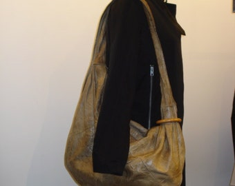 BRIO! Vintage Hobo Beige Leather 1980s Womens Bag LARGE