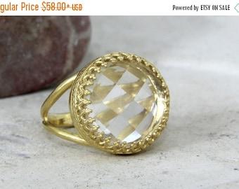 SUMMER SALE - crystal quartz ring,clear quartz ring,white quartz ring,gold ring,bridal ring,reflective rings,sotne ring