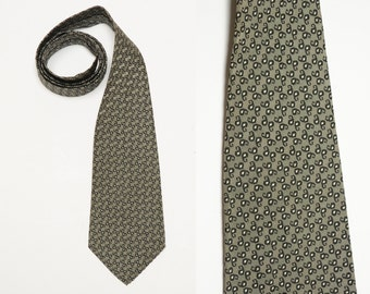 vintage 40s 50s tie men necktie 1940 1950 menswear silver black paisley pattern tie Manhattan