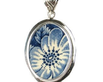 Broken China Jewelry Staffordshire Liberty Blue Colonial Scenes Flower with Leaf Sterling Pendant