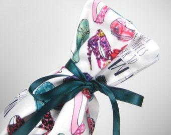 Shoes and Heaven, Class Wrap Wine Gift Bag