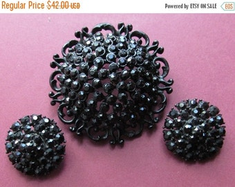 ON SALE Vintage Weiss Black Rhinestone Brooch With Clip On Earrings Jewelry Set