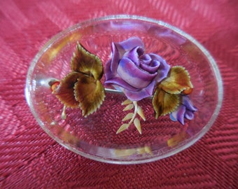 Vintage 1950s to 1960s Oval Purple Rose Reversed Carved Pin/Brooch Small Lucite