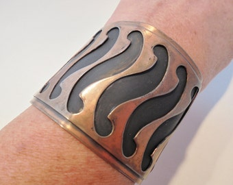 Vintage Pure Copper Cuff Bracelet / Bangle Signed Large Chunky Retro 61 Grams Tribal Boho Abstract Runway