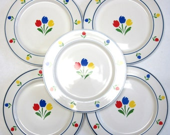 Dinner Plates Tulip Tyme Set Of Five White Red Blue Yellow Green