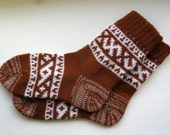 Reddish brown CUSTOM MADE Scandinavian pattern rustic fall autumn winter knit short wool socks present gift