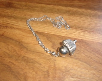 vintage necklace silvertone chain pendant