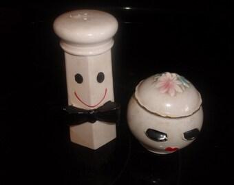 vintage pair salt pepper shakers set shaker sugar