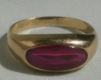 10 K Yellow Gold Red Stone Man's Ring-Size 11 1/4