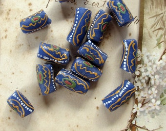 Rustic glass beads - African tribal trade beads - Krobo glass with tube painted details - 20mm - 13 beads
