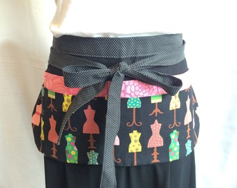 Teacher Apron/Utility Apron with 8 pockets and loop in black white salmon pink green dressmaker mannequin