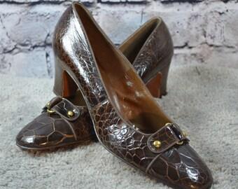 SALE vintage 1960s De Liso Debs leather faux reptile heels pumps