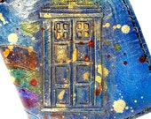 Doctor Who Wallet - Doctor Who Gift - Leather Wallet - Time Lord - Tardis - Don't Blink - Custom Wallet. Holds 12 Cards and has 2 bill slots