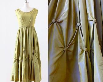 1940s Tufted Gown / Green Iridescent Ball Gown / 1940s Formal Dress / Buttons Green Dress / 1940s Green Gown / Small Medium / 27 Waist