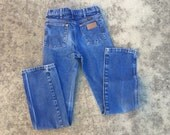Wranger medium blue 90s high waist straight leg jeans size US4