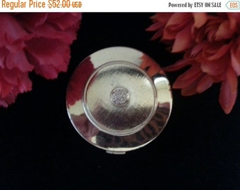 Now On Sale Vintage Avon Compact * Avon Powder Compact Mirror Collectible * 1960's 1970's Vanity Home Decor * Avon Products Inc New York