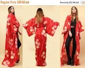 15% OFF 1DAY SALE 90s does 60s Vtg Kimono Robe Floor Length Layering Duster Jacket / Mod Red Daisy Floral Hippie Boho Goddess / Osfm