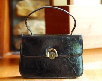vintage 1960s black patent leather mod handbag