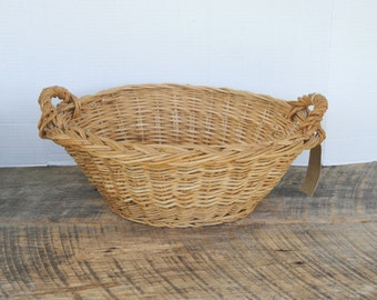 Vintage Small Wicker Childs Laundry Basket Clothespin Storage Easter Basket