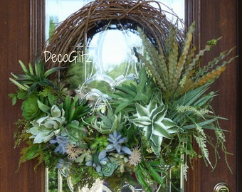 SUCCULENT GRAPEVINE WREATH