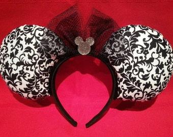 Jumbo Black & White Mouse Ears