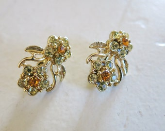 Vintage golden flowers earrings 50s