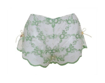 Amathia green & white sparkly lace tap pants / shorts / knickers / panties - Size Small - UK 6 8 / US 2 4 / European 34 36