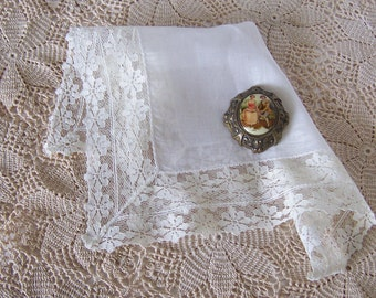 Bridal Shower Gift Vintage Lace Wedding Hanky in Ivory Bride's Something Old Handkerchief