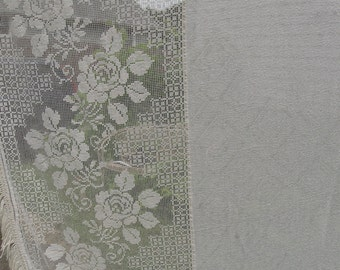 1950's Vintage Tablecloth White Filet Crochet Lace Cabbage Roses with Diamond Pattern Jacquard Center