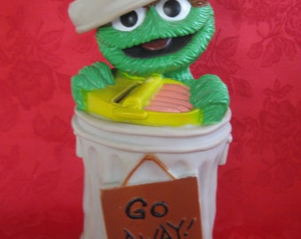 Vintage Oscar the Grouch Bank