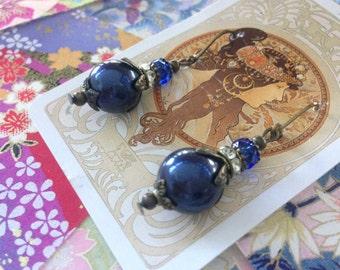 Navy Bue Pearl Vintage Style Earrings
