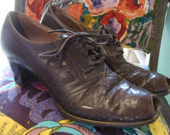 1930's 1940's BROWN LEATHER SHOES low heeled open toe granny 9.5 N