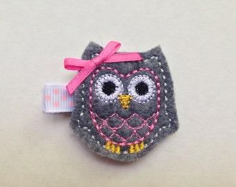 Girls Hair Accessories - Felt Hair Clips - Grey Pink Felt Embroidered Owl Hair Clippie - Hair Clip Clippie - Grey Pink Owl - Owl Clip